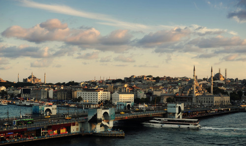 Galata Bridge (by Serhan Keser)