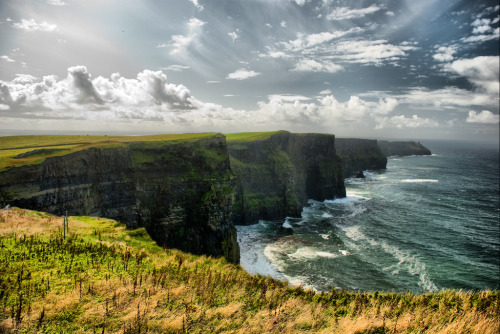 theworldwelivein:  Cliffs of Moher - Ireland (by _ R i c a ® d O _)