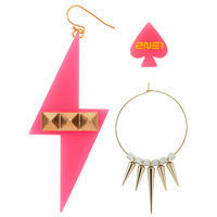"globalminzy:  [PHOTOS] 2NE1 ""New Evolution"" in Japan Official Goods!Light stick ¥ 1,700 (tax in)  Face Towel ¥ 2,000 each (tax in)  Parker (M, L) ¥ 6,000 (tax in)  T-…View Postshared via WordPress.com"