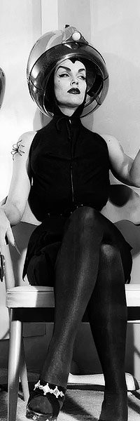 and-the-show-goes-on:  Vampira