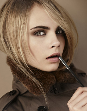 Burberry Beauty launch new Autumn/Winter 2012 Collection. Love the warm eyeshadow shades and the rich lipstick.