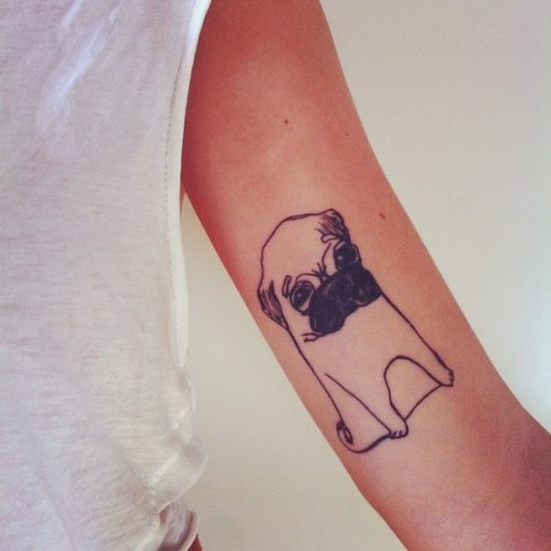 This is the cutest pug tattoo ever. geezuz.
