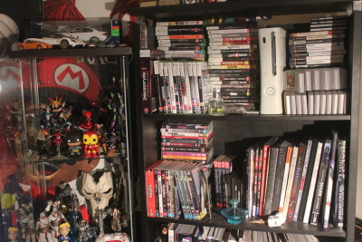 charalanahzard:  This corner of my room <3  this corner.