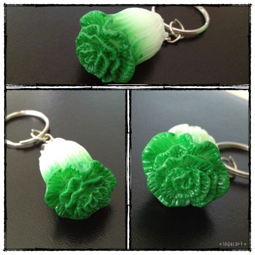 cabbage keychain. from a colleague who visited cameron highlands last week. i thought it's really cute, never had a vegetable keychain. and i really miss cameron highlands a lot, tried to plan for a trip there a few times this year but it didn't happen in the end… i still hope to visit, just need to find a right time…