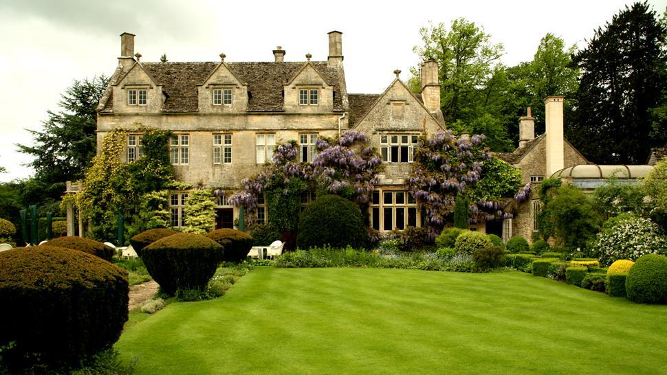 Barnsley House, a classic English country retreat in Gloucestershire, UK