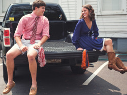 alabamasouthernbelle:  This is seriously me & usually guys I date. Except of course I'm in Alabama stuff & he's in Auburn stuff.