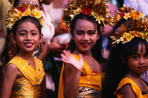 Young Balinese girls dressed in traditional clothing for full-moon festival - Ubud, Bali