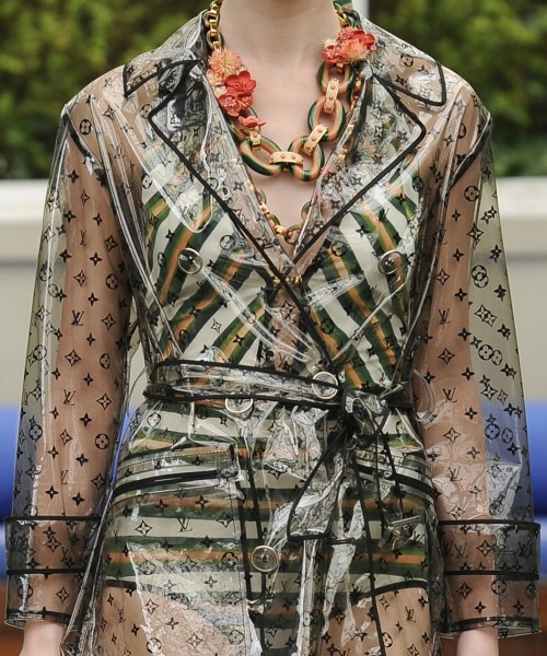 Louis Vuitton Resort 2011 Runway Details