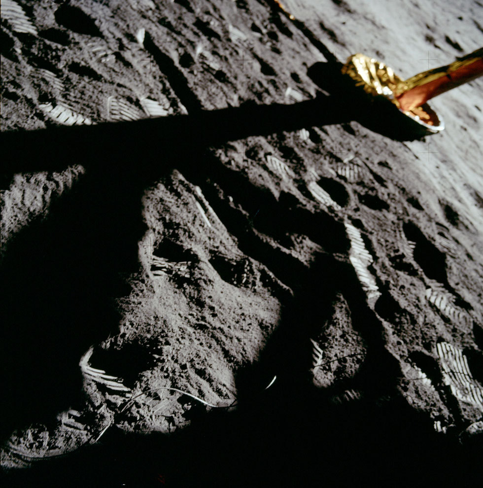 Above: An inadvertent frame taken by Neil Armstrong with his modified Hasselblad 500 EL. One of 122 70mm color frames made on the lunar surface during the first moonwalk.   Today on the site: We remember Neil Armstrong the photographer, via his rarely seen throwaway frames from the moon.
