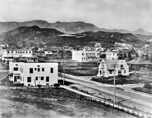Hollywood in 1907. The view looks northeast from Hollywood High School and shows Highland Ave. in the foreground with the City of Hollywood — then an independent municipality — in the distance. Part of the Title Insurance and Trust / C.C. Pierce Photography Collection in the USC Digital Library.
