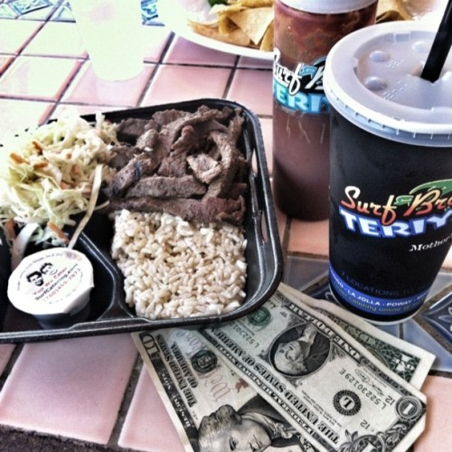 $12 & teriyaki, steak, brown rice http://moneyfood.tumblr.com #moneyfood #foodporn #money #surfbrosbeforesurfhos (Taken with Instagram at Surf Brothers Teriyaki)