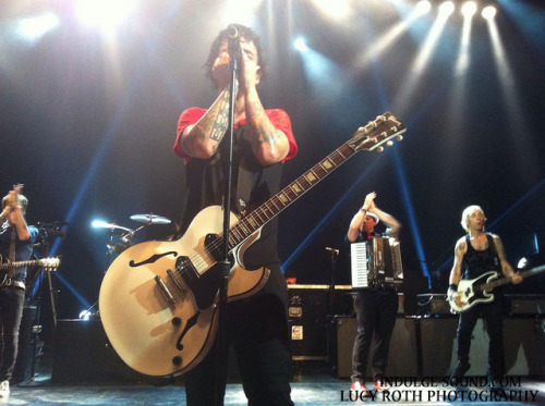 PHOTOS: Green Day - Shepherd's Bush Empire, London - 23rd August 2012. Just before their not-so-secret set at Reading Festival, Green Day stopped in for an intimate (by their standards!) show in London. Check out our photos from that evening!View photos | Follow: TUMBLR | TWITTER | FACEBOOK | YOUTUBE