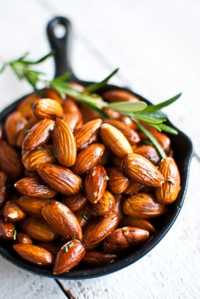 Rosemary Roasted Almonds for the clime of Storm's End