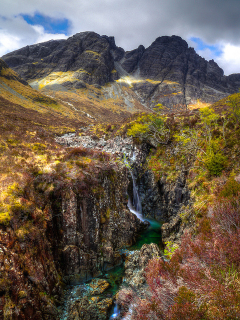 beautyofskye:  Bla Bheinn, Isle of Skye by views of the world (Back after few days away) on Flickr.