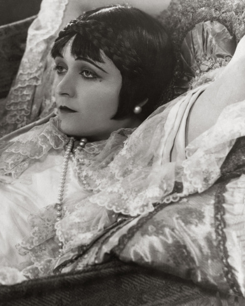 Pola Negri, 1925 (by pictosh)