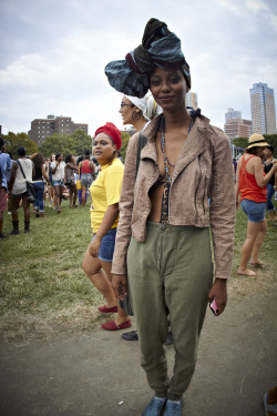 z-scapin:  cochranewilliamz:    TITLE | AFRO PUNKFEST PORTRAITS 8.25.2012 Image 12  PHOTOGRAPH | Cochrane Williams    I actually met this girl, she helped find my way back to where I was staying in Brooklyn.  Fresh.
