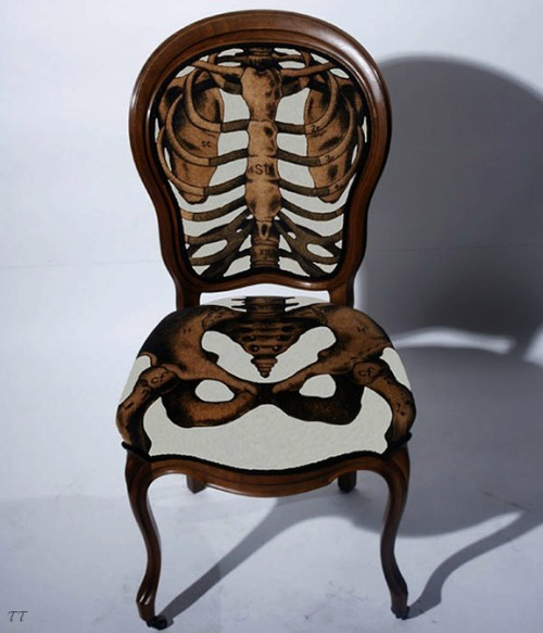 Anatomically Correct Chair T O P - T I E R