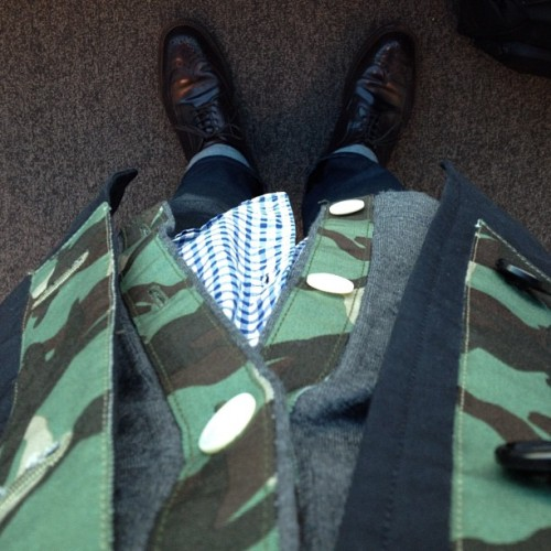 Airport Urban Disguise: Break up camo w navy, gingham & a dash of colour 8 shell LongWongs..  (Taken with Instagram)