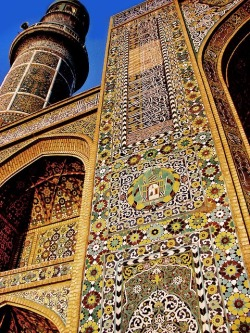 hadeiadel:  artofislam:  Beautiful and intricate Islamic Art and calligraphy  Ya Allah!