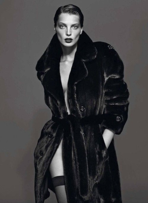 Daria Werbowy photographed by Mert Alas and Marcus Piggott for Vogue Paris, September 2012