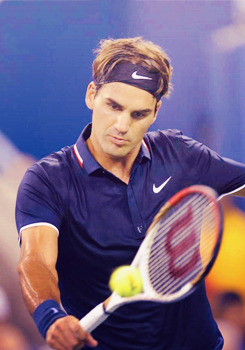 Roger Federer d. Donald Young 6-3 6-2 6-4 in 1h34min   Next: Phau