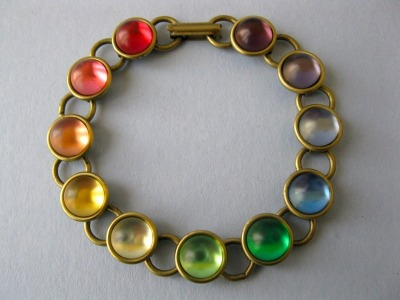 A bracelet that has more colors than a rainbow!