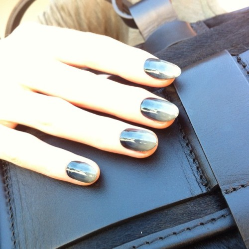 nailinghollywood:  Gorgeous fade mani by @stephstonenails #nailinghollywood #fadenails (Taken with Instagram)