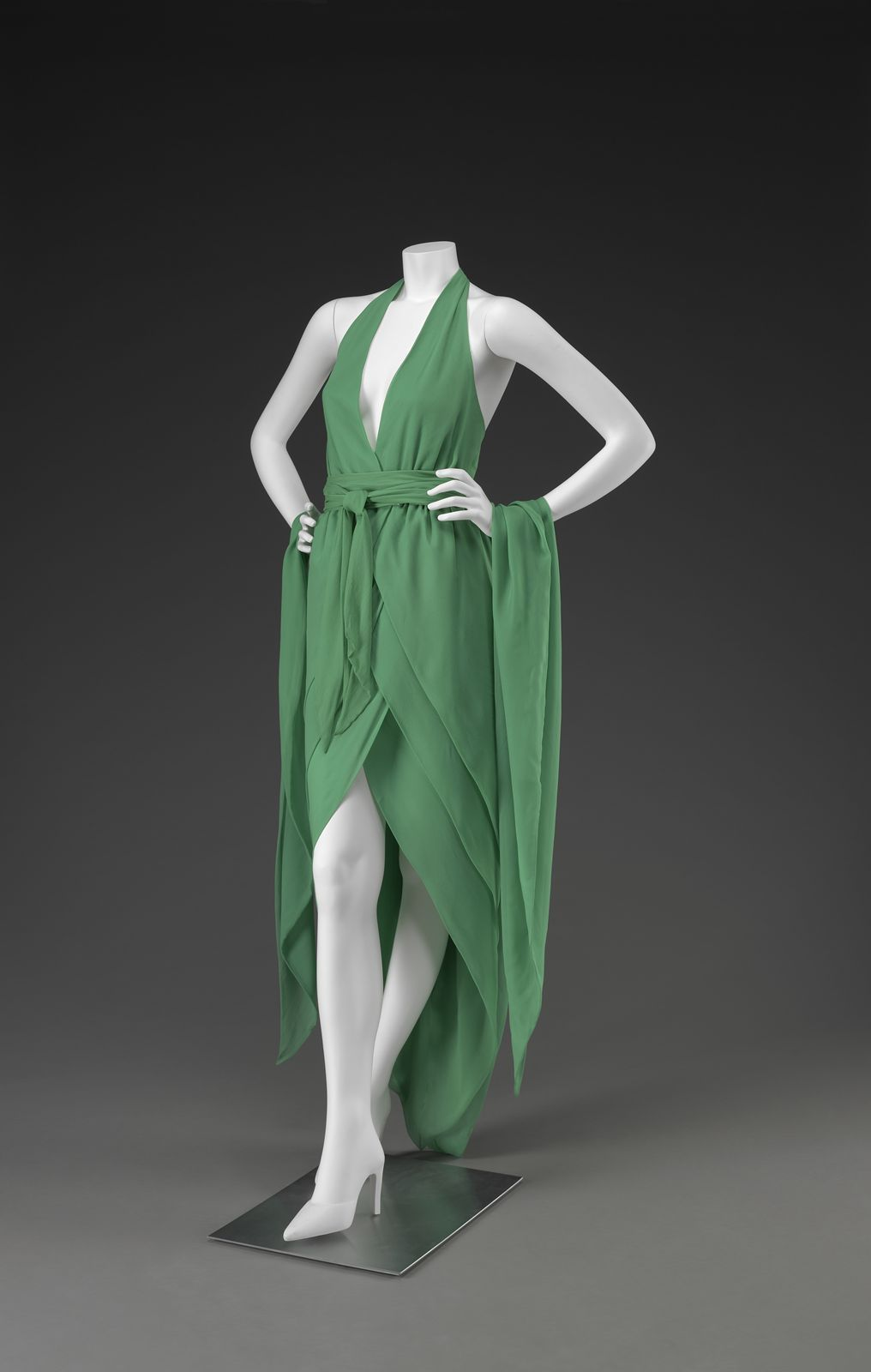 omgthatdress:  Ensemble Halston, 1970s The Indianapolis Museum of Art