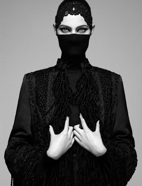 purrsz:  Fashion ninja ~ G. Kadel - Vogue.