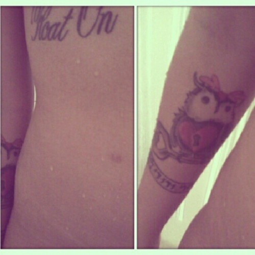 #tattoo #iammybelovedandmybelovedismine #owl #key #ink #floaton #modestmouse #Wet #shower #hebrew #skin #tired #body #me #self #portrait  (Taken with Instagram)