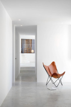 minimarch:  the chair via yatzer