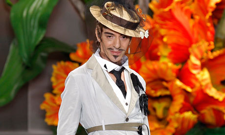 Old Lady Galliano  John Galliano stripped of Légion d'Honneur http://bit.ly/OGw85E
