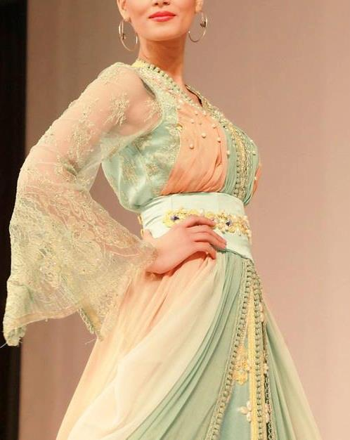 caftans-et-takchita:  Love those colors, so sweet Seen on Caftan Gallery