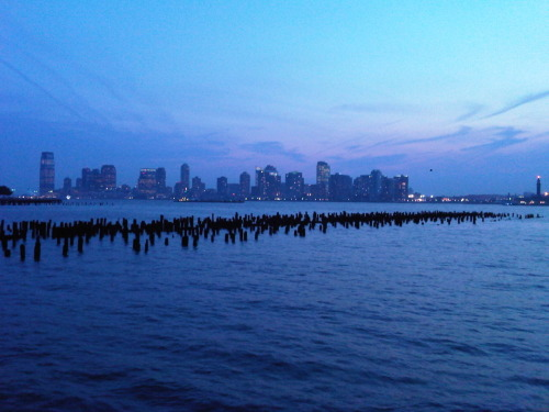beau soir.  twilight over the Hudson, Christopher St. Pier, Manhattan