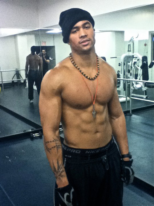 autoswagg:  muscleworshipper08:  All Swag!!!  http://autoswagg.tumblr.com/archive
