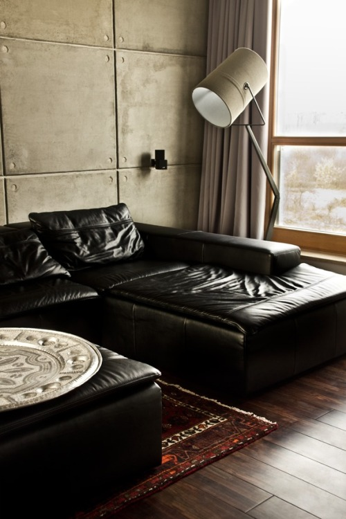 Love this leather sofa with #diesel #moroso floor lamp. warm, comfy and contemporary.