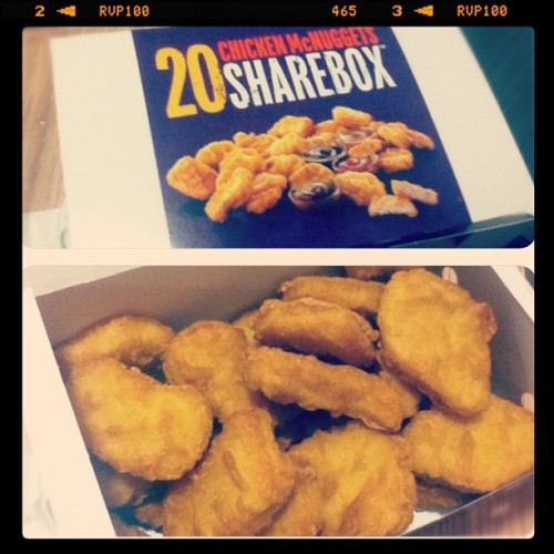 Muwahahahaha!!! 😁 #food #fastfood #mcdonalds #chicken #nuggets #20 #summer #マクドナルド #食べ物 (Taken with Instagram)