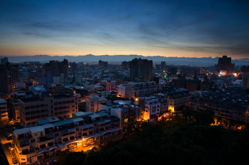 Coming dawn, Tainan, Taiwan (by Sheed24)