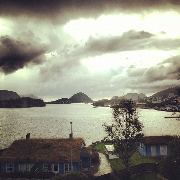 The weather. #rain #sun #whatnot #alesund #norway #nature #weather #donteven (Taken with Instagram)