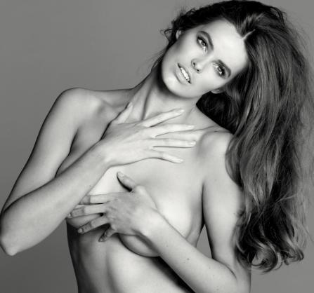 "Australian Plus-size model Robyn Lawley wants to be an inspiration to other ""plus-size"" models… more strong, but not too skinny… Robyn is a Size-10 (dress size… size 11/12 in the U.S.) and she said it took her a long time to become confident about her size… Ironically, we consider her a ""10"" as well…"