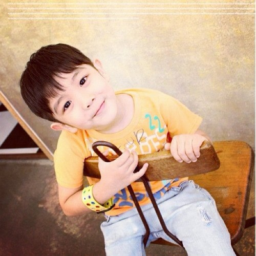 awww Yoogeun!! ^_^ #Yoogeun #JungYoogeun #유근 #정유근 #샤이니 #SHINee #HelloBaby #Kpop  (Taken with Instagram)