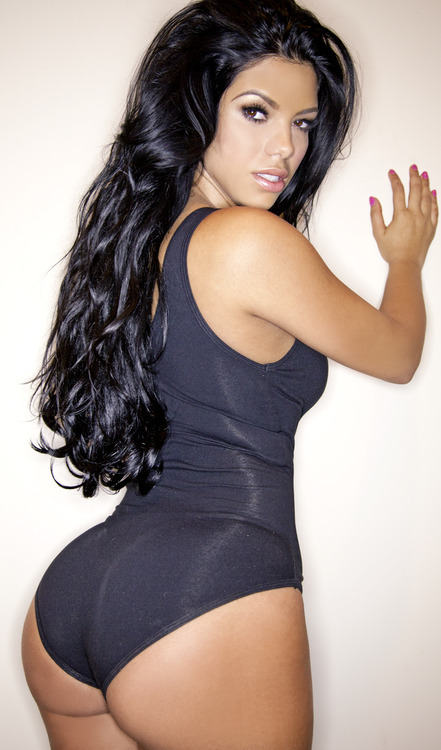 thefinestbitches:  Suelyn Medeiros