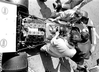 life in the cockpit …Graham Hill, Brabham-Ford BT34, 1971 F1 World Championship