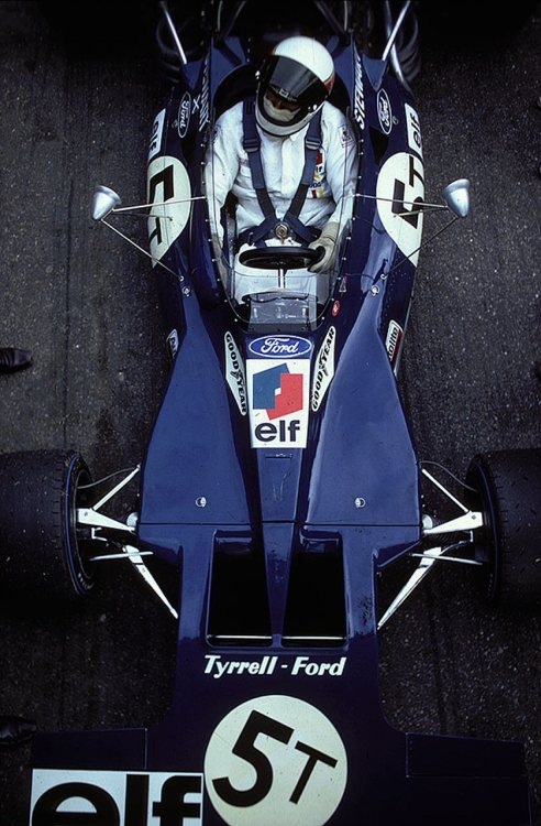 Photography (Jackie Stewart, ELF Tyrrell-Ford 003, 1971 F1 World Championship, via itsawheelthing)