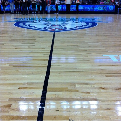 So, not just courtside. Center court. #LosLynx (Taken with Instagram at Target Center)