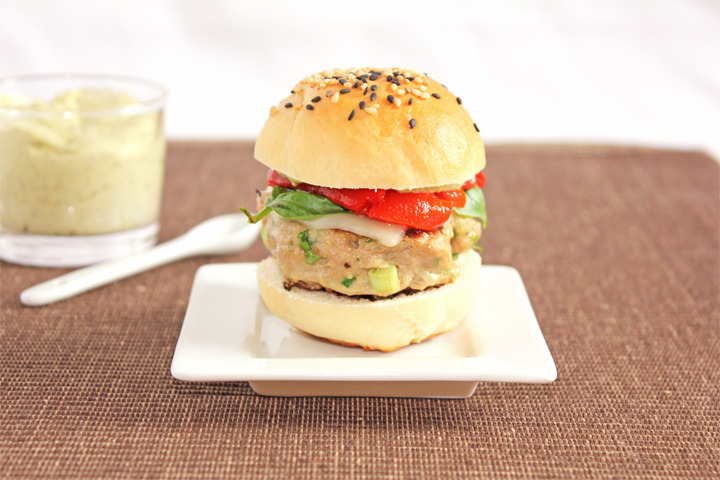 (via Turkey Sliders with Pesto Mayo | a dash of cinnamon)