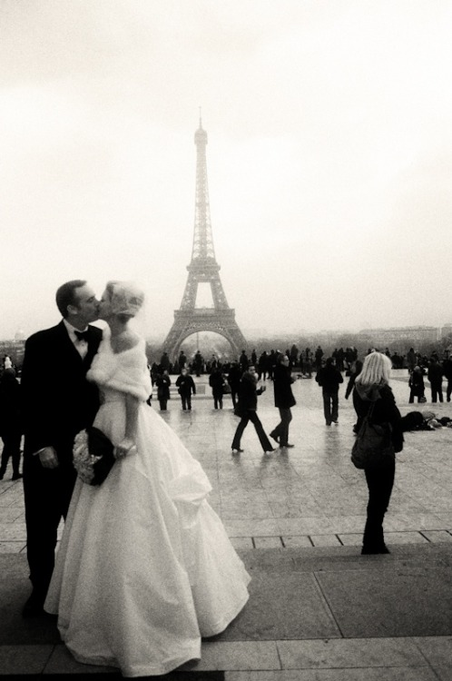 ideasforawedding:  paris wedding