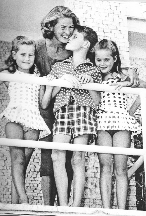 Ingrid Bergman with her children in Rome, 1959.