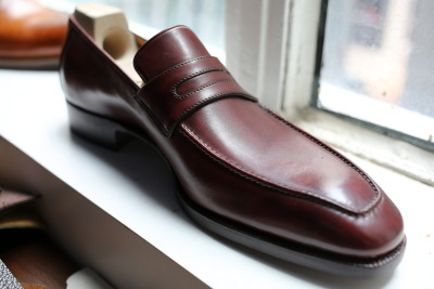 thearmoury:  lnsee:  The burgundy loafer - something to add to my casual wardrobe  St Crispins - HK 28 of Aug - 2nd of Sept, London 28 - 29th of Sept.