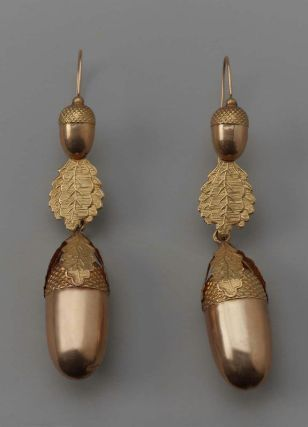 19th century acorn earrings (via Earring (one of a pair) | Museum of Fine Arts, Boston)